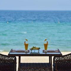 Отель Sealine Beach - a Murwab Resort пляж фото 2
