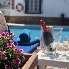 Hotel Capri бассейн фото 6