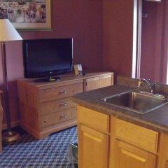 Отель Americas Best Value Inn Three Rivers удобства в номере
