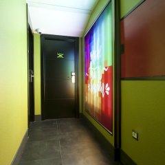 Отель JC Rooms Chueca Испания, Мадрид - отзывы, цены и фото номеров - забронировать отель JC Rooms Chueca онлайн интерьер отеля фото 3