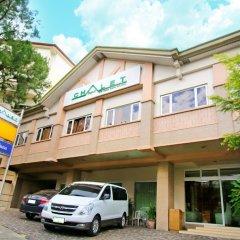 Отель Chalet Baguio Филиппины, Багуйо - отзывы, цены и фото номеров - забронировать отель Chalet Baguio онлайн парковка