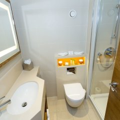 DoubleTree by Hilton Hotel London - Hyde Park ванная фото 2