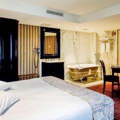Отель Hôtel Chateaubriand Champs Elysées Париж комната для гостей фото 3