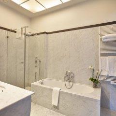 Отель De Tuilerieën - Small Luxury Hotels of the World Бельгия, Брюгге - отзывы, цены и фото номеров - забронировать отель De Tuilerieën - Small Luxury Hotels of the World онлайн ванная