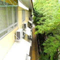 Отель Royal Ivory Sukhumvit Nana by Compass Hospitality балкон