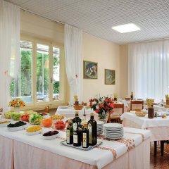 Hotel Capri Римини питание фото 3