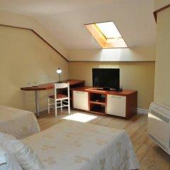 Отель Sokrat Албания, Тирана - отзывы, цены и фото номеров - забронировать отель Sokrat онлайн удобства в номере фото 2