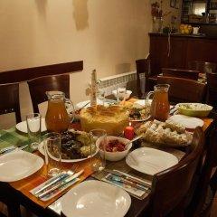 Отель Bizev Hotel Болгария, Банско - отзывы, цены и фото номеров - забронировать отель Bizev Hotel онлайн питание фото 3