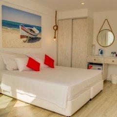 Апартаменты Blue Harbour Boutique Apartments комната для гостей