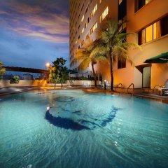 Отель Sunway Hotel Georgetown Penang Малайзия, Пенанг - отзывы, цены и фото номеров - забронировать отель Sunway Hotel Georgetown Penang онлайн бассейн фото 2