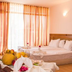 Отель Caesar Palace Болгария, Елените - отзывы, цены и фото номеров - забронировать отель Caesar Palace онлайн комната для гостей фото 2