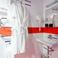 Гостиница Маринс Парк в Екатеринбурге - забронировать гостиницу Маринс Парк, цены и фото номеров Екатеринбург ванная