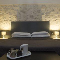 Отель Lakkios Residence B&B Сиракуза сейф в номере