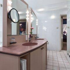 Отель NH Gent Sint Pieters Бельгия, Гент - 1 отзыв об отеле, цены и фото номеров - забронировать отель NH Gent Sint Pieters онлайн ванная фото 2