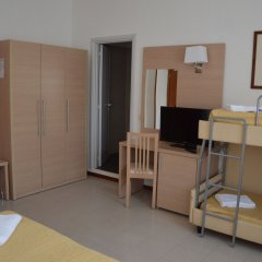 Hotel Caesar комната для гостей