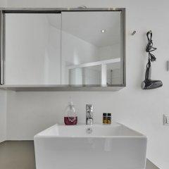 Отель Kotimaailma Helsinki - Arkadiankatu 8 Финляндия, Хельсинки - отзывы, цены и фото номеров - забронировать отель Kotimaailma Helsinki - Arkadiankatu 8 онлайн ванная