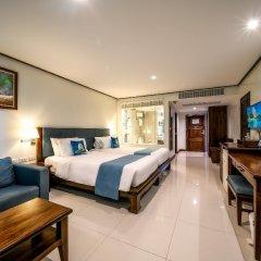 Отель Andaman Beach Suites Пхукет комната для гостей