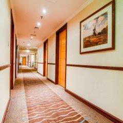 Landmark Summit Hotel интерьер отеля фото 2
