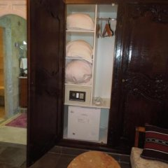 Dar Souad in Tunis, Tunisia from 122$, photos, reviews - zenhotels.com in-room safe