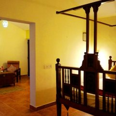 Отель Falling Waters комната для гостей