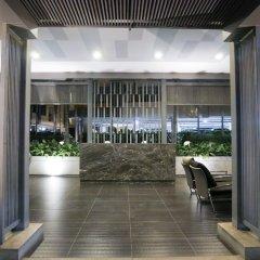Отель Locals Sathorn Siamese Nang Linchee Бангкок интерьер отеля