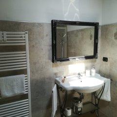 Hotel Borgo dei Poeti Wellness Resort Манерба-дель-Гарда ванная фото 2