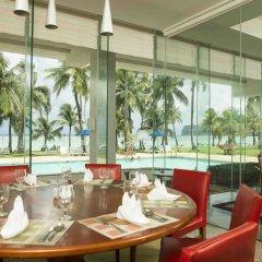 Отель Fiesta Resort Тамунинг интерьер отеля фото 3