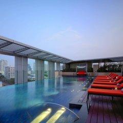 Отель Marriott Sukhumvit Бангкок бассейн