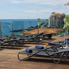 Отель The Lince Madeira Lido Atlantic Great Hotel Португалия, Фуншал - 1 отзыв об отеле, цены и фото номеров - забронировать отель The Lince Madeira Lido Atlantic Great Hotel онлайн пляж фото 2