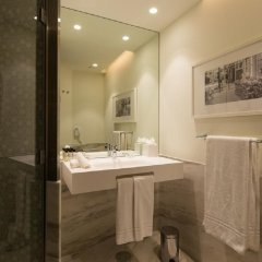 Отель Pestana Porto- A Brasileira City Center & Heritage Building ванная