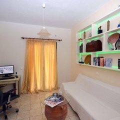 Отель Koukounari Studios Греция, Агистри - отзывы, цены и фото номеров - забронировать отель Koukounari Studios онлайн комната для гостей фото 2