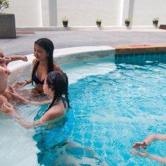 Отель The Scene Condo Phuket бассейн фото 2