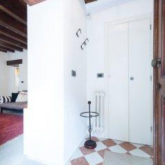 Отель Ve.N.I.Ce. Cera Casa Santo Stefano Италия, Венеция - отзывы, цены и фото номеров - забронировать отель Ve.N.I.Ce. Cera Casa Santo Stefano онлайн комната для гостей