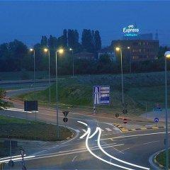 Отель Holiday Inn Express Parma Парма спортивное сооружение