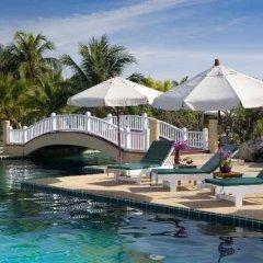Отель Andaman Princess Resort & Spa бассейн