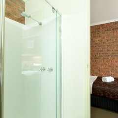 Отель Advance Motel ванная фото 2