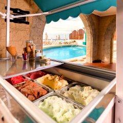 Nixe Palace Hotel бассейн