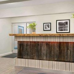 Отель Days Inn by Wyndham Gatlinburg On The River интерьер отеля фото 3