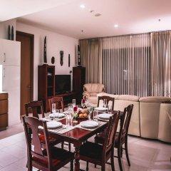 Апартаменты Luxury Apartments NorthPoint Pattaya by GrandisVillas Паттайя в номере