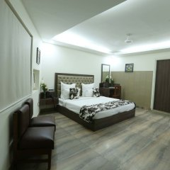 The Metropolitan Hotel and Spa New Delhi in New Delhi, India from 156$, photos, reviews - zenhotels.com in-room safe