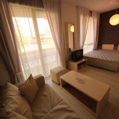 Апартаменты Menada Rainbow Apartments Солнечный берег комната для гостей фото 10