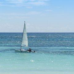 Отель Ocean Blue & Beach Resort - Все включено Доминикана, Пунта Кана - 8 отзывов об отеле, цены и фото номеров - забронировать отель Ocean Blue & Beach Resort - Все включено онлайн приотельная территория фото 2