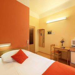 Отель Golden City сейф в номере