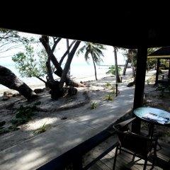 Отель Funky Fish Beach & Surf Resort Фиджи, Остров Малоло - отзывы, цены и фото номеров - забронировать отель Funky Fish Beach & Surf Resort онлайн балкон