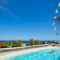 Отель Windmill Villas Греция, Остров Санторини - отзывы, цены и фото номеров - забронировать отель Windmill Villas онлайн бассейн фото 2