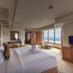 Montien Riverside Hotel комната для гостей