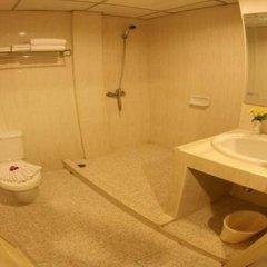 Отель Baumanburi Таиланд, Карон-Бич - 4 отзыва об отеле, цены и фото номеров - забронировать отель Baumanburi онлайн ванная фото 3