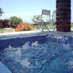 Отель Ecoxenia Studios Греция, Остров Санторини - отзывы, цены и фото номеров - забронировать отель Ecoxenia Studios онлайн бассейн фото 3