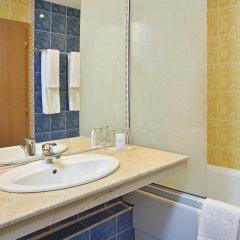 Отель Sol Nessebar Mare Hotel - Все включено Болгария, Несебр - 8 отзывов об отеле, цены и фото номеров - забронировать отель Sol Nessebar Mare Hotel - Все включено онлайн ванная