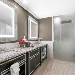 Отель The Madison Washington DC, A Hilton Hotel США, Вашингтон - отзывы, цены и фото номеров - забронировать отель The Madison Washington DC, A Hilton Hotel онлайн ванная